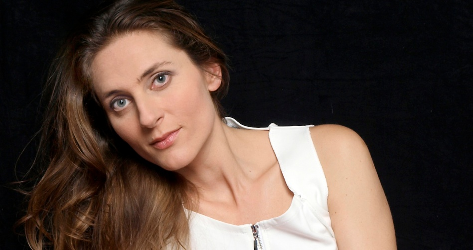 Delphine Galou, Contralto